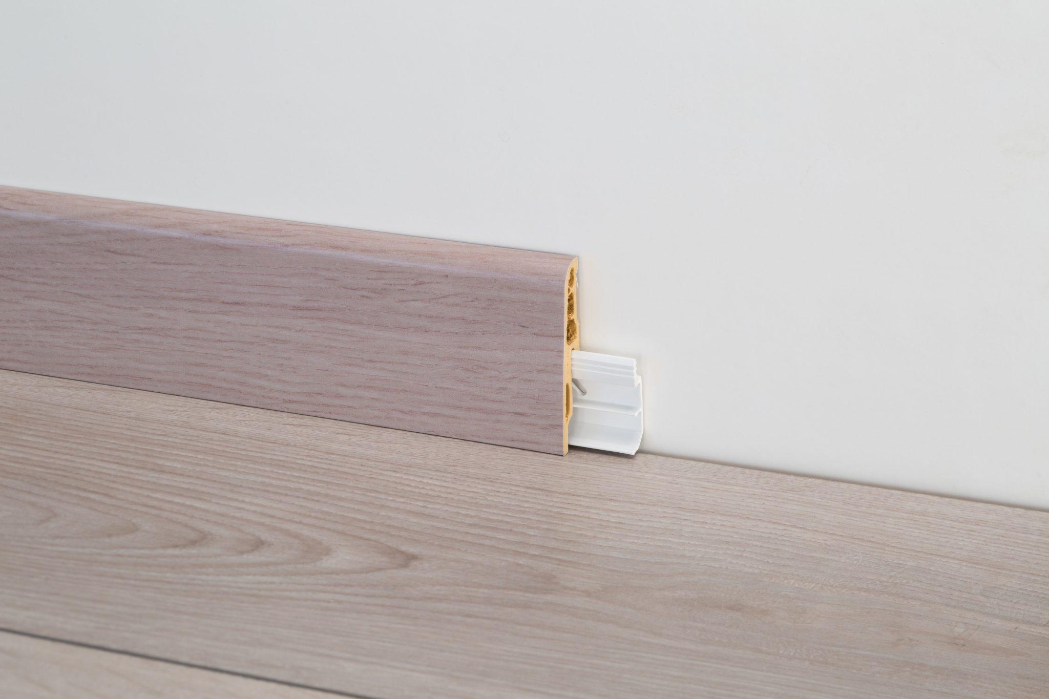 Battiscopa pvc altezza cm effetto legno bianco nero