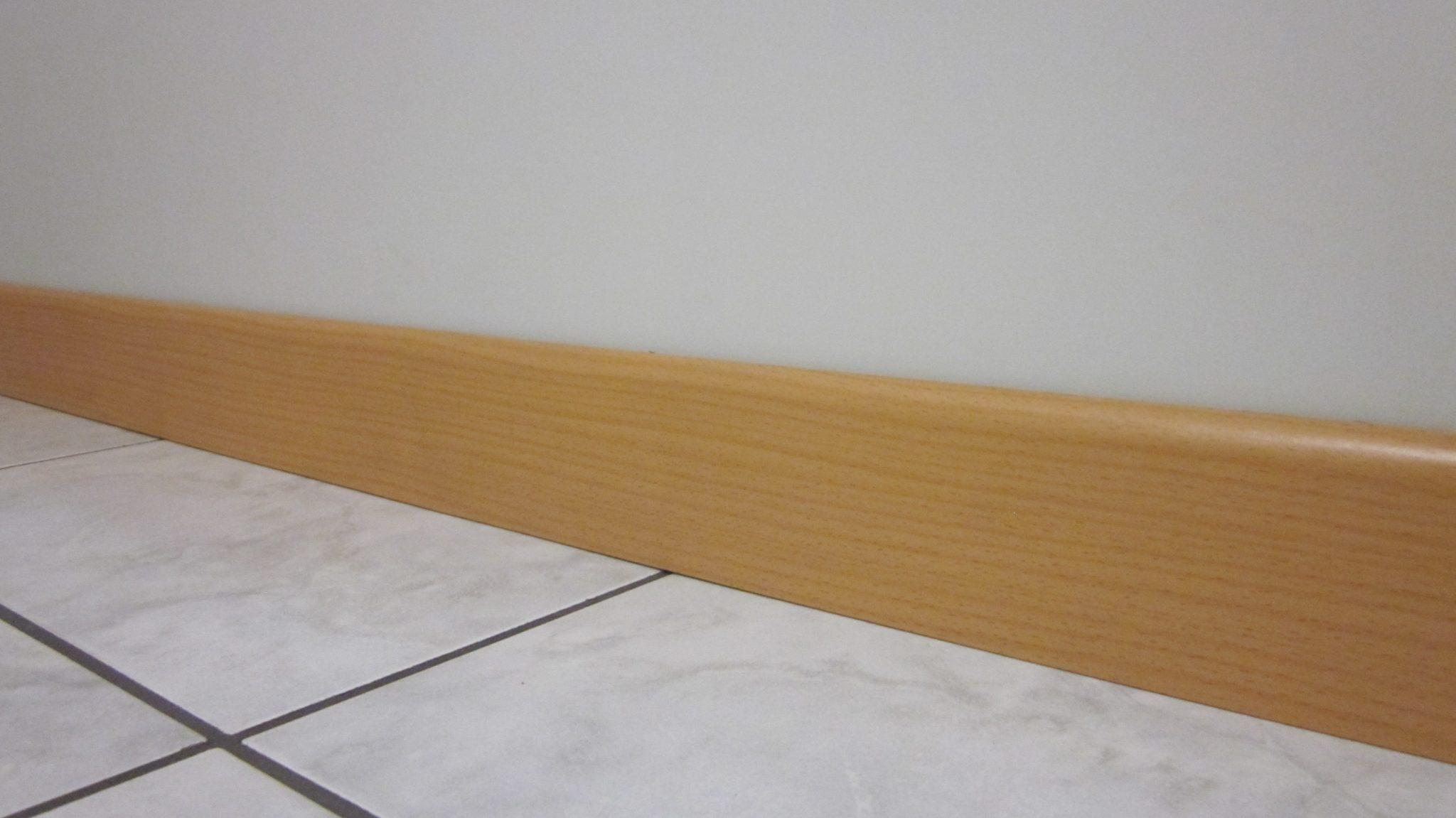 Battiscopa In Legno Bianco battiscopa in legno noce, rovere 7 cm